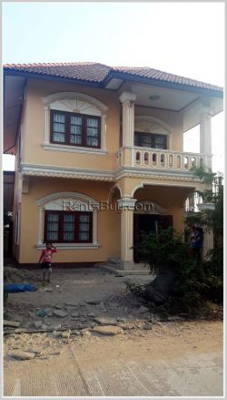 ID: 140 - Nice house for rent by pave road and near Phontong Chommany market