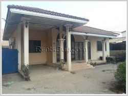 ID: 3541 - Pretty villa house next to concrete road for rent near Sethathirath hospital
