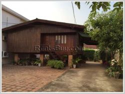 ID: 3025 - The pretty house with large yard for rent in Chanthabouly district