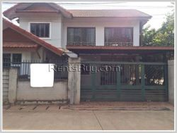 ID: 3864 - Modern house near Angkham hotel by concrete road for rent