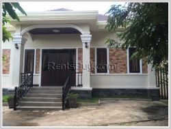 ID: 3317 - Beautifull house near local fresh market for rent in Sikhottabong district.