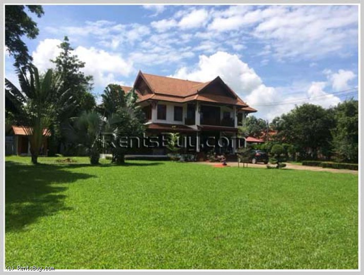 ID: 3928 - The luxury house with large parking for rent in Sisattanak district
