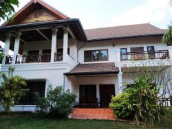 ID: 4407 - Modern house for rent in Ban Phonetongsavat