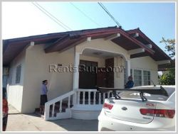ID: 3905 - Affordable villa near Patuxay and close to Morning Market for rent