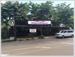 ID: 4199 - Nice Restaurant by concrete road close to Thatluang Temple for rent