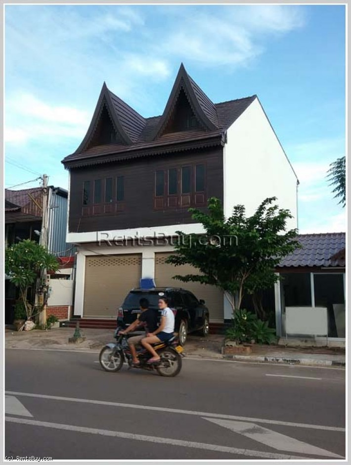 ID: 3268 -Lao style house for rent near Thadluang temple