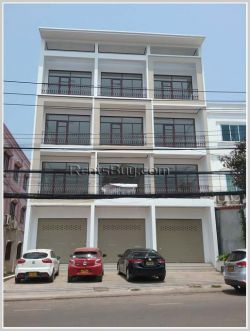 ID: 3996 - The nice shop house near main road and Local market in Naxay Village for rent and sale