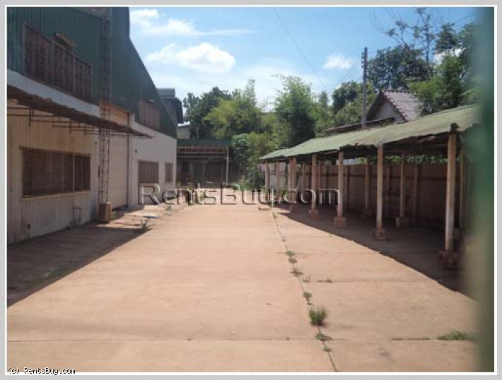 ID: 2955 - Large warehouse near main road and close to Huakua Market for rent.