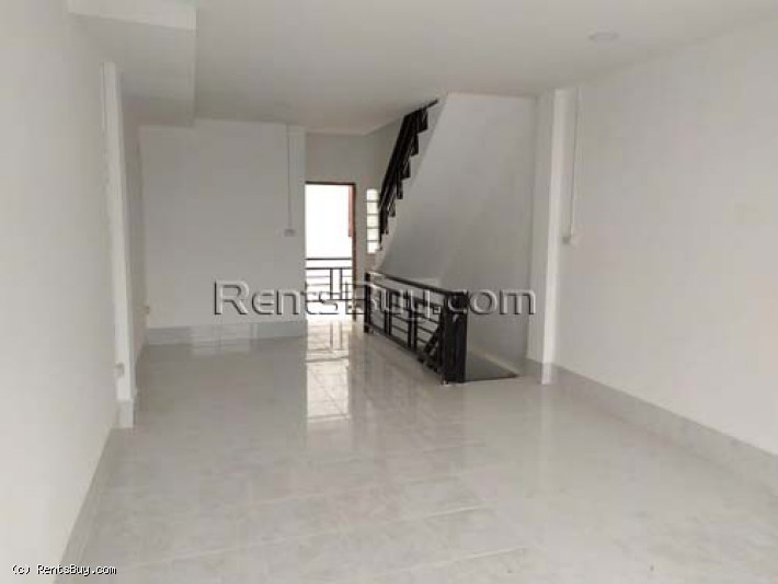 ID: 4385 New shop house behind Chinese market for sale